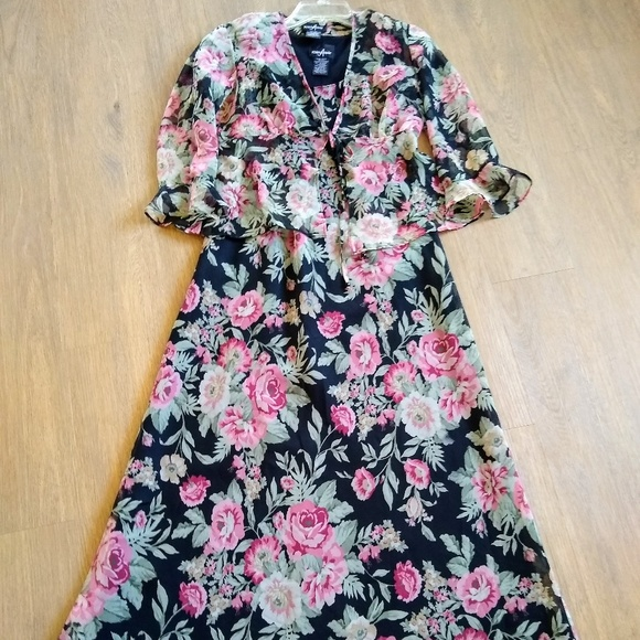 Positive Attitude Dresses & Skirts - Positive Attitude Floral Dress